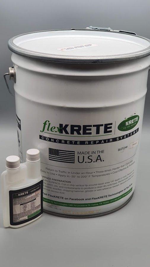 Ātri cietējoša betona remontmasa FlexKrete 18,93L